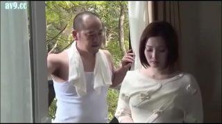 Puta japonesa mujer orgasmo por su vecina (Completo: bit.ly/2zk0Q2d)